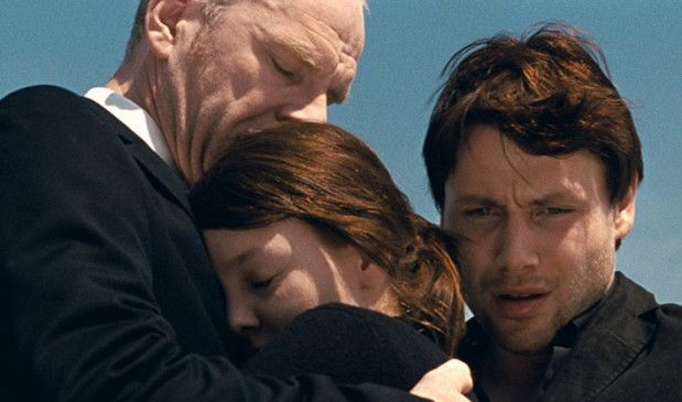 Christian (Götz Schubert) muss sich nach dem Tod seiner Frau den Kindern widmen