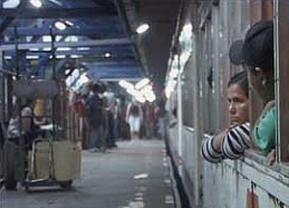 """Die """"Kartonmenschen"""" im weißen Zug"""
