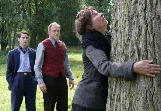 Die Frau, die Bäume liebt! Ulrich Tukur (M.) wundert sich über Yolande Moreau