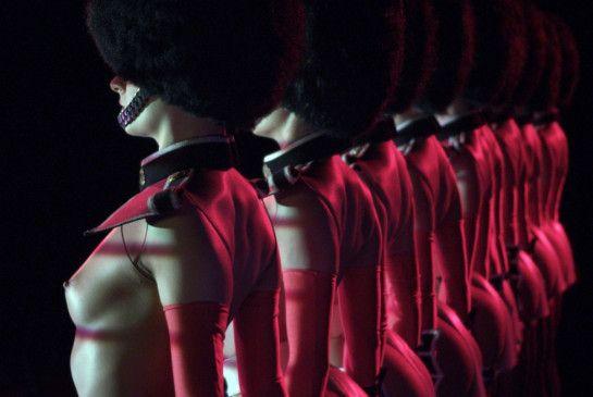 """Entblößte Brüste en masse: Show im """"Crazy Horse"""""""