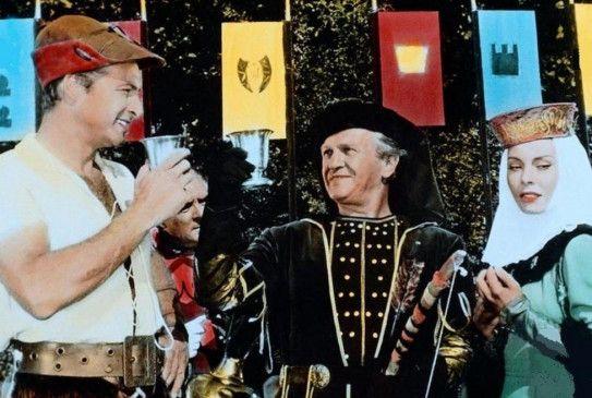 Noch ist alles in bester Ordnung: Pietro (Lex Barker, L.) feiert mit Graf Roccalta (Herbert A. E. Böhme) und dessen Tochter (Rossana Rory)