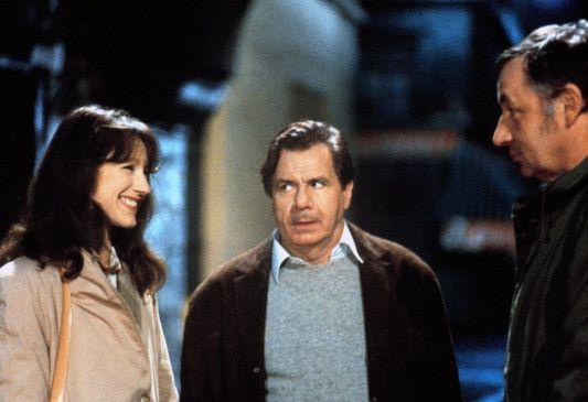 Laurence (Nathalie Baye, mit Michel Galabru und Philippe Noiret, r.) nutzt ihre Ferien, um neue Leute kennenzulernen