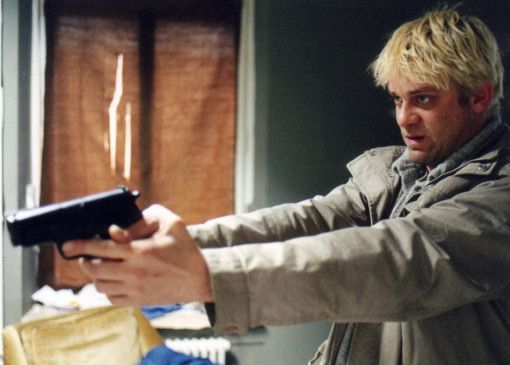 Strähl (Roeland Wiesnekker) gerät in einen Strudel aus Sucht und Gewalt