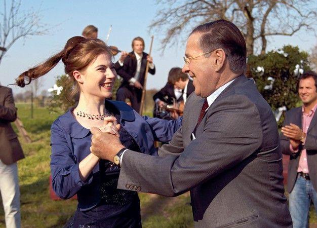 Ein Bild aus glücklichen Tagen: Bergkamp (Götz George) mit Tochter Sophie (Nora von Waldstätten)
