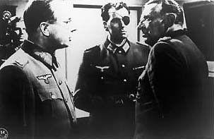 Tod dem Tyrannen: Geheime Besprechung mit Oberst Graf von Stauffenberg (Bernard Wicki, Mitte)