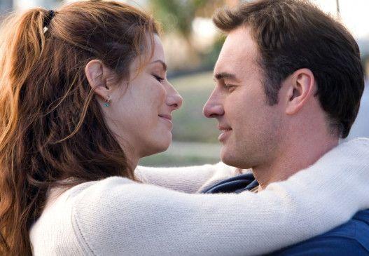 Noch durchaus glücklich: Sandra Bullock und Julian McMahon