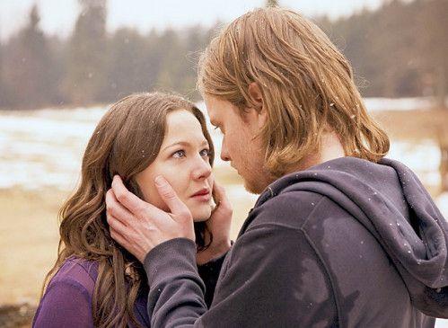 Werther (Stefan Konarske) gesteht Lotte (Hannah Herzsprung) seine Liebe