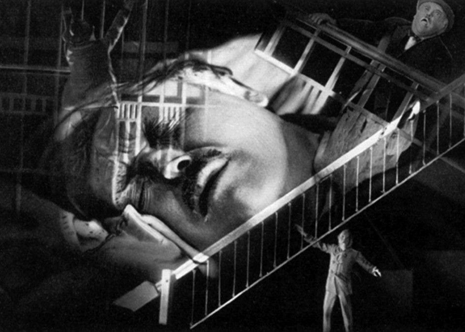 Feldmann (Werner Krauß) hat schreckliche Albträume