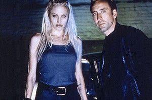Da hinten die Karre müssen wir auch noch klauen!  Angelina Jolie und Nicolas Cage als Autoknacker