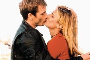Na, wenn's das Drehbuch halt vorschreibt... Denis Leary und Sandra Bullock in Ekstase