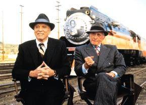 Die Eisenbahn hinter uns wird auch noch überfallen! Burt Lancaster (l.) und Kirk Douglas
