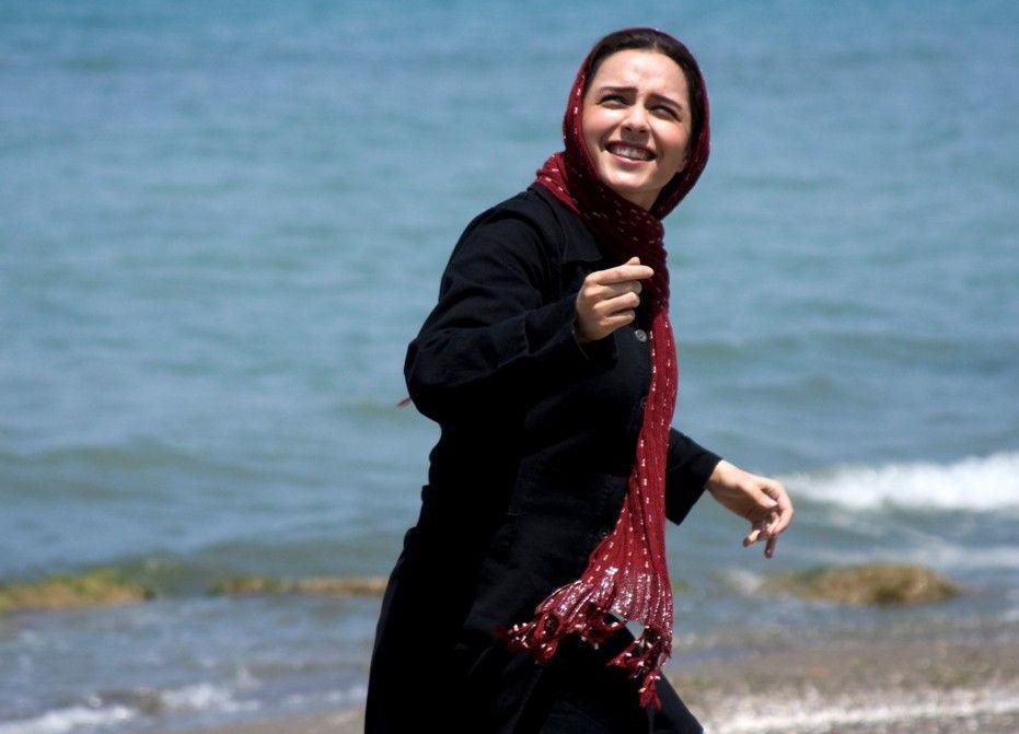 Noch erlebt sie unbeschwerte Stunden am Meer: Taraneh Alidoosti als Elly