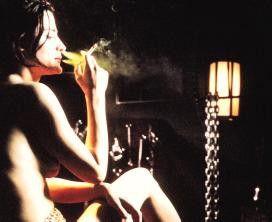 Die Zigarette danach! Valerie Geffner als Angela