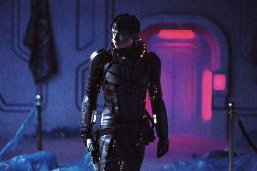 Valerian (Dane DeHaan) gibt den coolen düsteren Frauenhelden.
