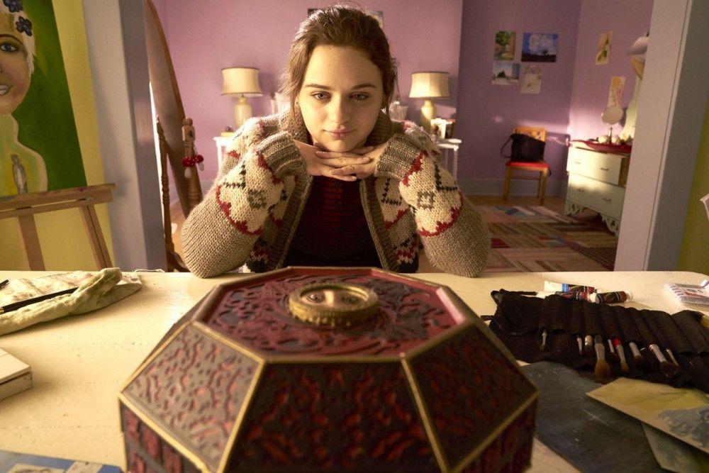 Clare (Joey King) wünscht sich Popularität, Reichtum und Liebe von der chinesischen Wunschbox.