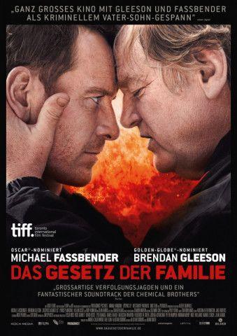 """Stark besetzt: Für sein Spielfilmdebüt """"Das Gesetz der Familie"""" verpflichtete Musikvideo-Regisseur Adam Smith die Ausnahmeschauspieler Michael Fassbender und Brendan Gleeson als Hauptdarsteller."""