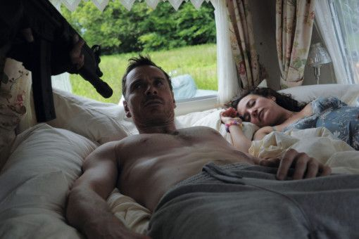 Guten Morgen! Das Ehepaar Cutler (Michael Fassbender und Lyndsey Marshal) wird manchmal vom Sondereinsatzkommando geweckt.