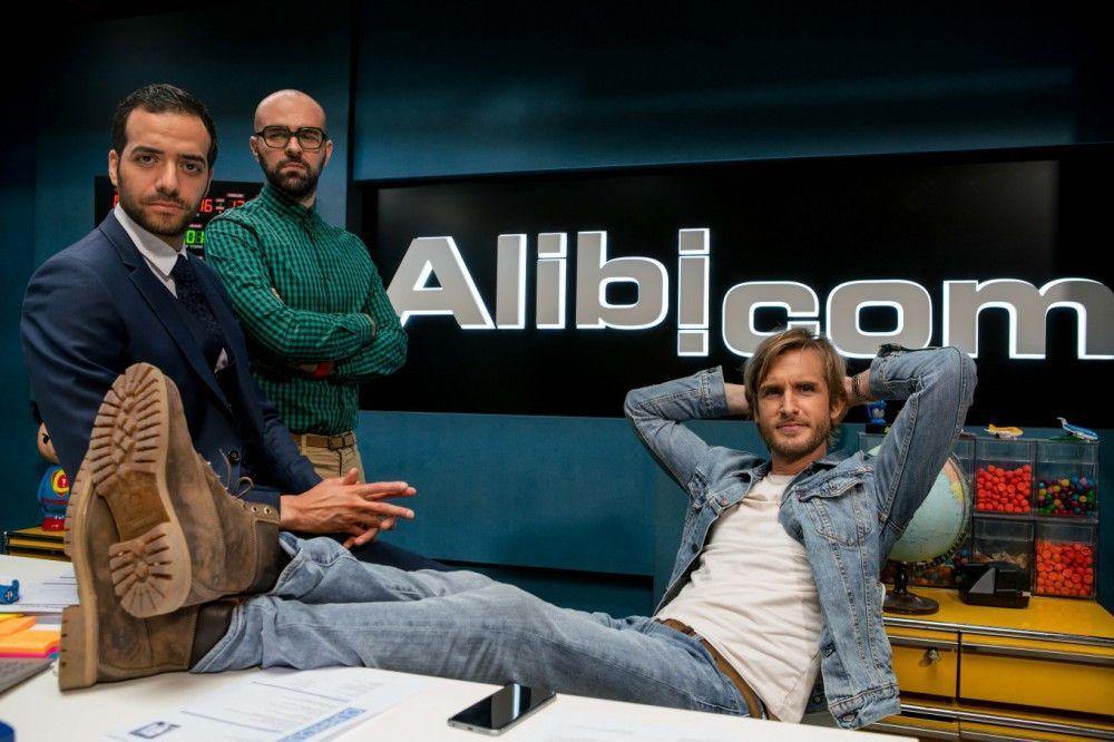 Von links: Medhi (Tarek Boudali), Augustin (Julien Arruti) und Greg (Philippe Lacheau) haben sich auf Alibis spezialisiert.