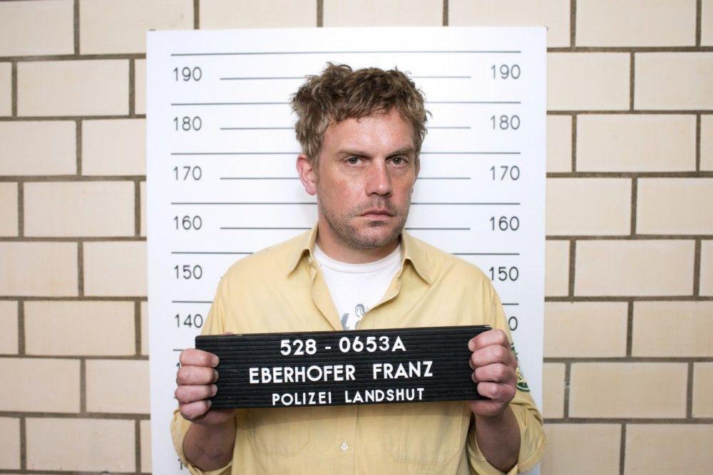 So schlecht schaut's aus: Der Eberhofer (Sebastian Bezzel) ist am Arsch.