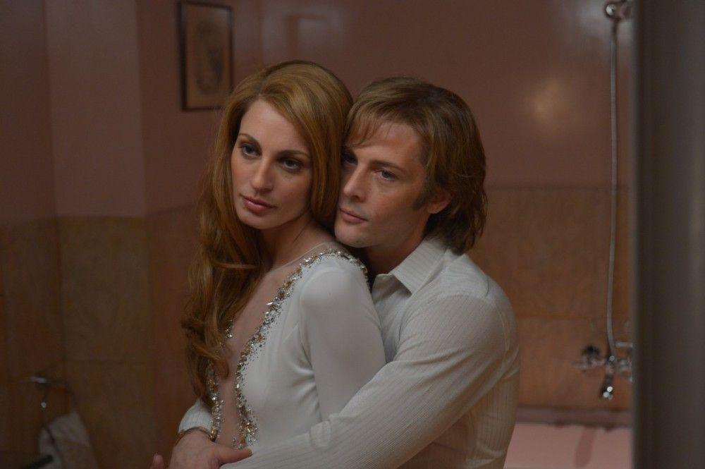 Die Karriere ging vor, die Liebe wurde weniger: Dalida (Sveva Alviti) mit ihrem Mann und Manager Lucien Morisse (Jean-Paul Rouve).