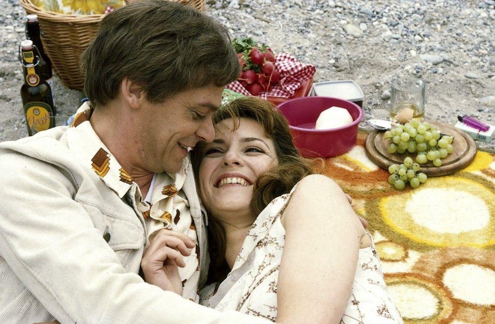 Lotte (Martina Gedeck) und Hermann (Sylvester Groth) schwelgen in ihrer Liebe zueinander.  Doch der Schein trügt.