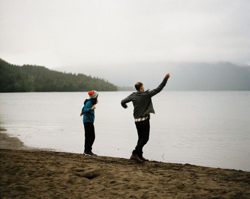 Steine ins Wasser werfen - Michael (Georg Friedrich, rechts) und sein Sohn (Tristan Göbel) suchen nach Gemeinsamkeiten.