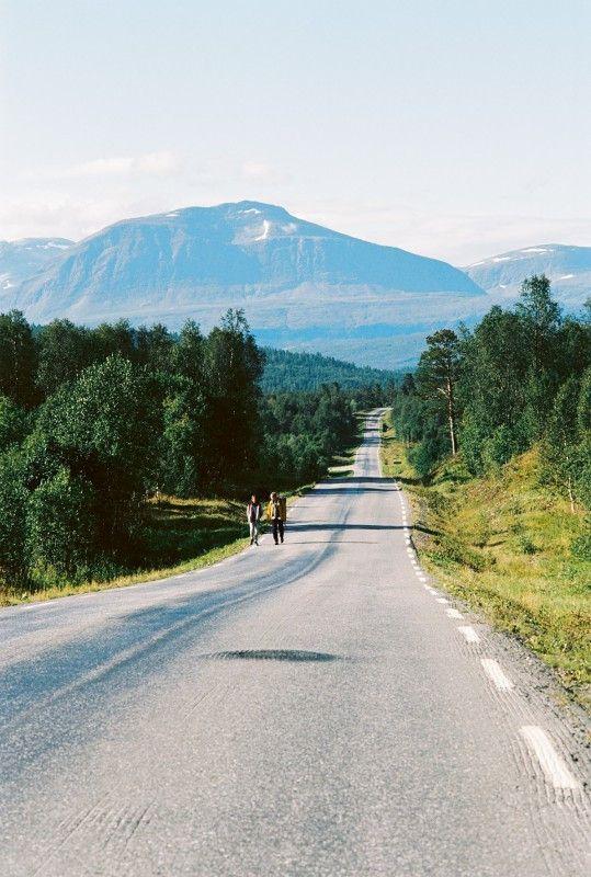 Michael (Georg Friedrich) und sein Sohn (Tristan Göbel) sind in Norwegen die meiste Zeit auf sich allein gestellt.