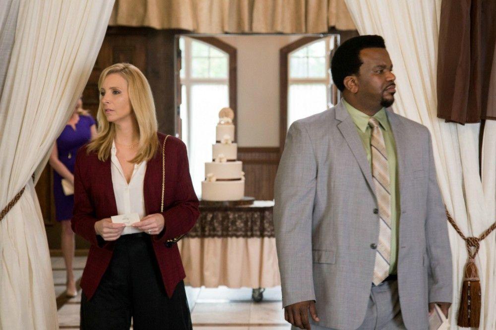 Mit der Ehe der Hochzeitsgäste Bin (Lisa Kudrow) und Jerry (Craig Robinson) steht es nicht zum Besten.