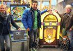Trödeltrupp-Experte Sükrü Pehliven findet eine Wurlitzer-Jukebox und einen Flipper.