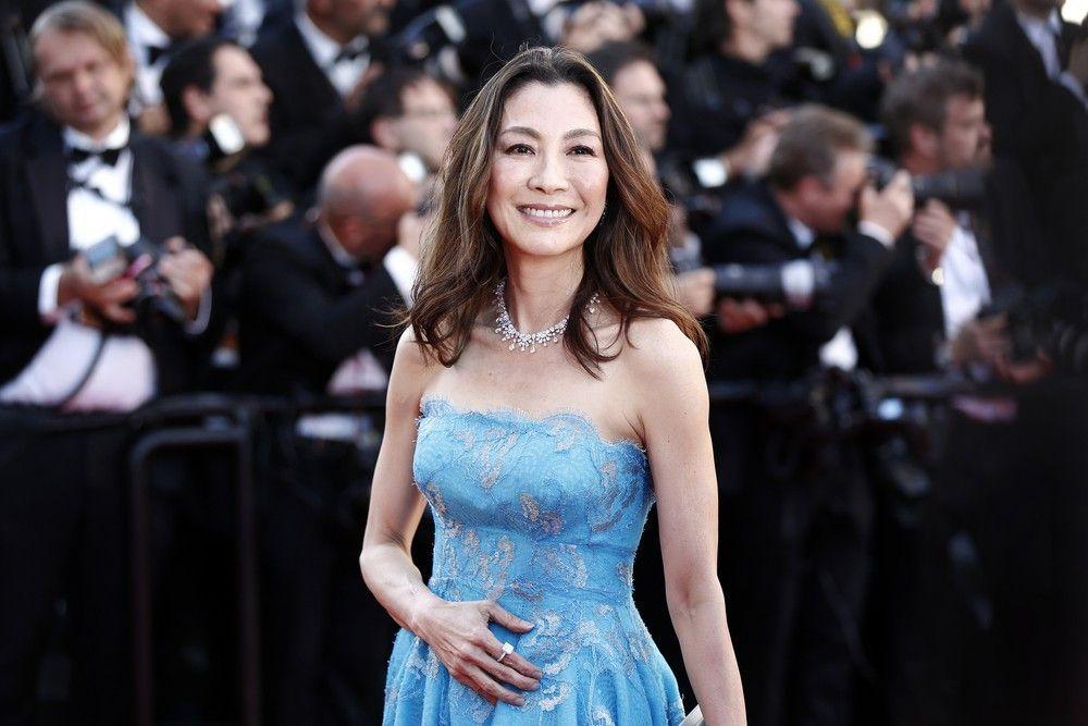 """<p><b>Schauspielerin</b>: Michelle Yeoh</p> <p><b>Rolle</b>: Wai Lin</p> <p><b>Film</b>: """"James Bond 007 - Der Morgen stirbt nie""""</p>"""