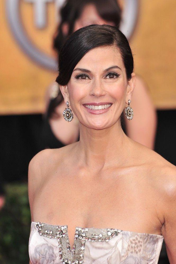 """<p><b>Schauspielerin</b>: Teri Hatcher</p> <p><b>Rolle</b>: Paris Carver</p> <p><b>Film</b>: """"James Bond 007 - Der Morgen stirbt nie""""</p>"""
