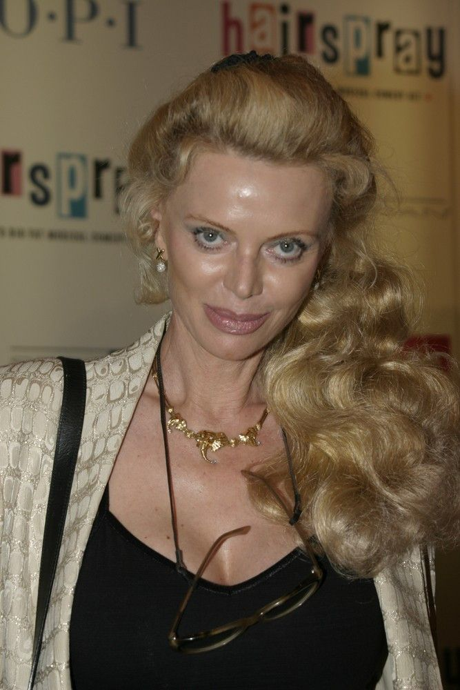"<p><b>Schauspielerin</b>: Kristina Wayborn</p> <p><b>Rolle</b>: Magda</p> <p><b>Film</b>: ""James Bond 007 - Octopussy""</p>"