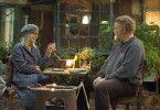 Die leicht affektierte Emily (Diane Keaton) fühlt sich wohl in und vor Donalds (Brendan Gleason) Hütte. Aber darf er überhaupt weiterhin darin wohnen?