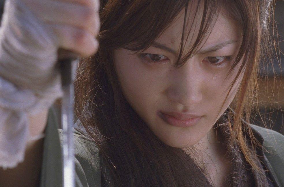 Ichi (Haruka Ayase) weiß sich trotz fehlenden Augenlichts zu wehren