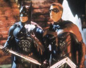 Ich glaube ich werde zur Salzsäule! George Clooney  (l.) und Chris O'Donnell als Batman und Robin
