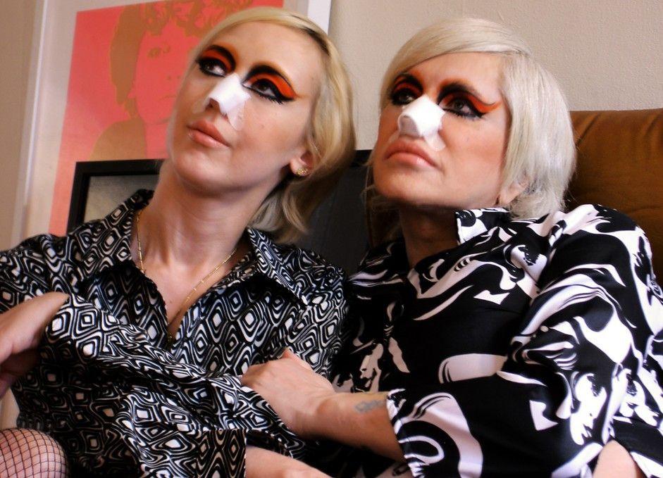 Ein Kunstprojekt der besonderen Art: Lady Jaye und  Genesis Breyer P-Orridge (r.) als Pandrogyn