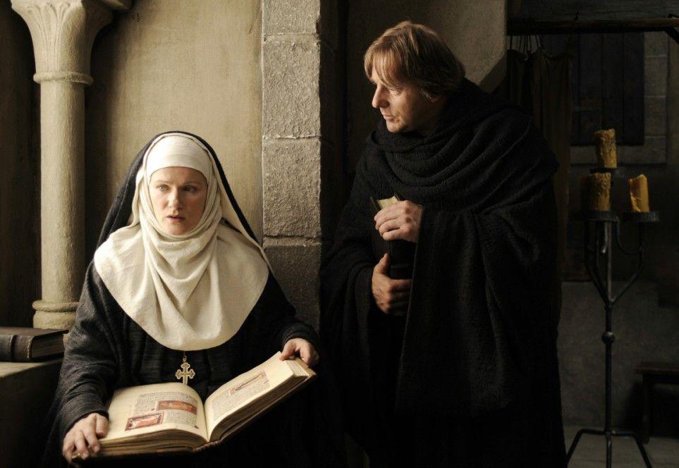 Wissen ist Macht - Barbara Sukowa und Heino Ferch im Mittelalter