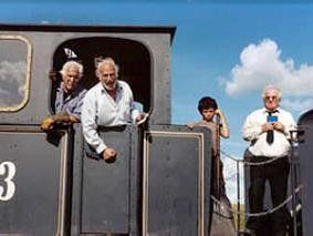 Vorsicht, wir fahren los! Die alten Männer und ihre Lok