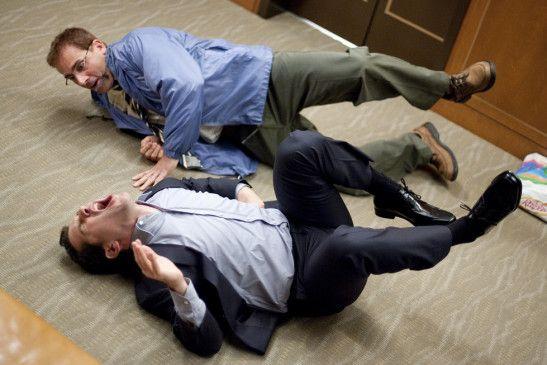 Wer ist der größte Trottel: Paul Rudd (v.) und Steve Carell messen sich