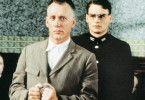 Der Serienkiller und sein Aufseher: James Woods und  Robert Sean Leonard (r.)