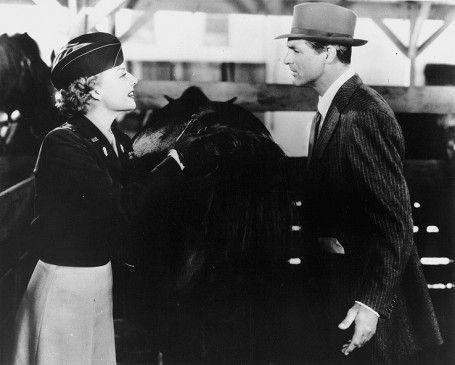 Du meinst also, Kleider stehen dir nicht? Ann Sheridan und Cary Grant