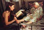 Seit Otar fort ist, muss ich lesen! Dinara Droukarowa (l.) und Esther Gorintin