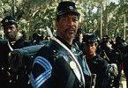 Aufrecht geht die Welt zu Grunde! Morgan Freeman als Soldat
