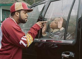 Ihr bleibt im Auto! Genervt: Ice Cube