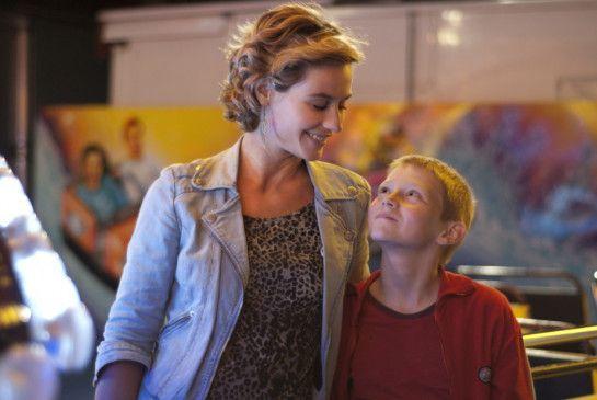 Fühlt sich als Mutter: Cécile de France mit Thomas Doret