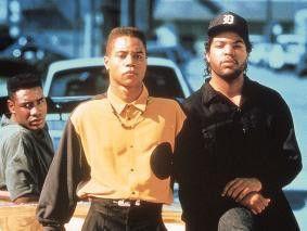 Cuba Gooding jr. (l., mit Ice Cube) kauft seine  Autos passend zur Hemdfarbe