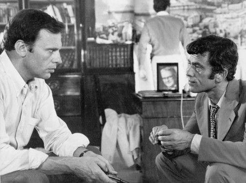 Wir werden den Killer bekommen! Carella (Jean-Louis Trintignant) und sein Mitarbeiter Di Bozzo (Gilles Segal, r.)