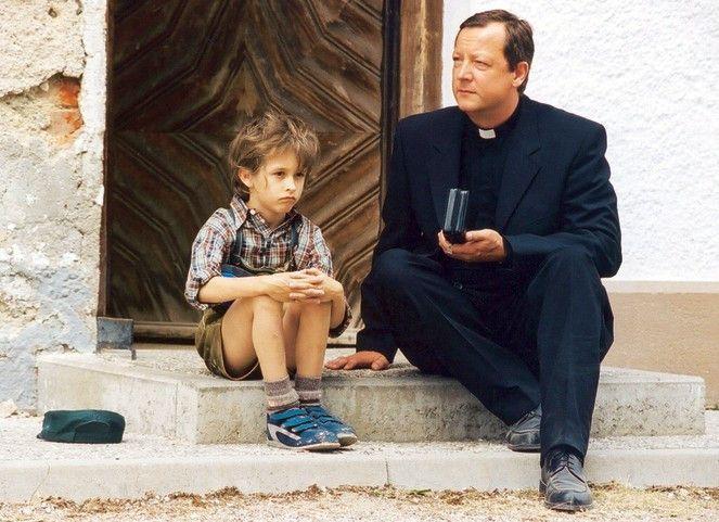 Gott helfe mir mit dieser Familie! Matthias Brandt (r., mit Hayo Bertram) als Leo
