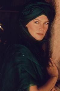 Gut verkleidet ist halb gewonnen! Kathleen Turner