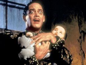 Ich glaube, dass Baby hat etwas in der Hose! Raul  Julia ganz erschreckt
